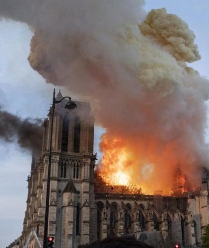 Notre-Dame-incendie-2.jpg